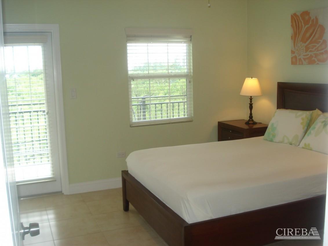 Villa Royale 3 Bedroom - Image 6
